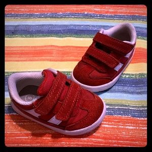 Cat and jack sneakers size 5